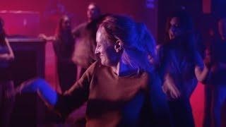 Musique pub Orange - Les spoileuses en boîte de nuit