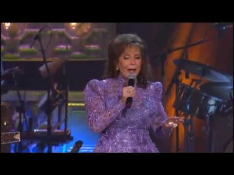 Loretta Lynn - Living My Lifetime For You