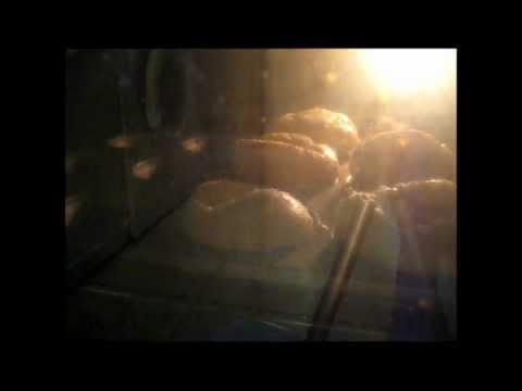 Yorkshire Puddings rising (MrGreenBentley)