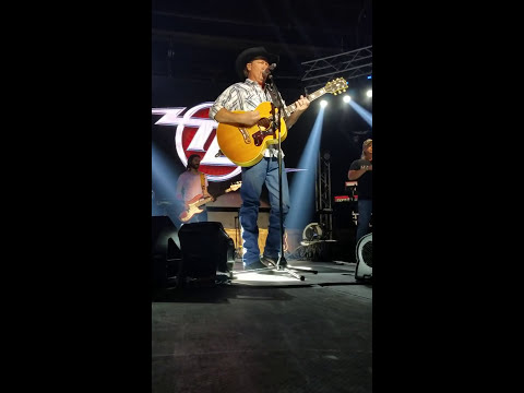 Tracy Lawrence -