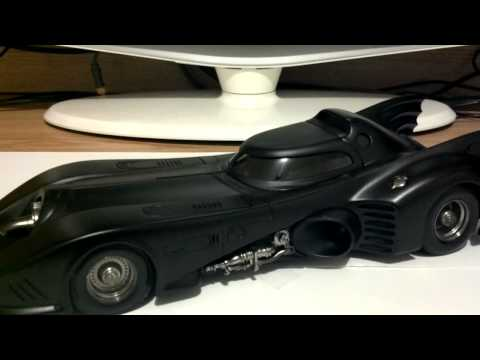Hot Wheels 1989 Batmobile 1:18 Review!