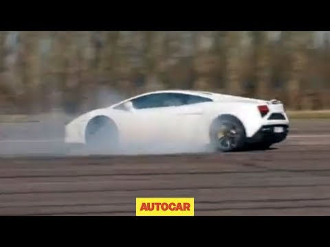What happens to a Lamborghini Gallardo when you switch traction control off?