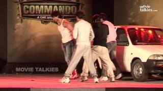 Vidyut Jamwal's Stunts At Commando Trailer Launch