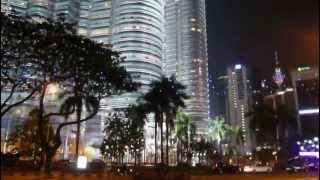 video Világkörüli utazás - 33 nap alatt a Föld körül (2009. február 20.) A Petronas-ikertorony - mely átadásakor a világ legmagasabb épülete volt - szerintem ma is világ legszebb felhőkar...