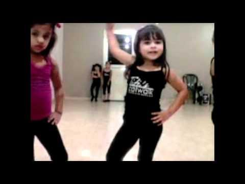 Pasarela Niñas titiscatwalk academia de Modelaje