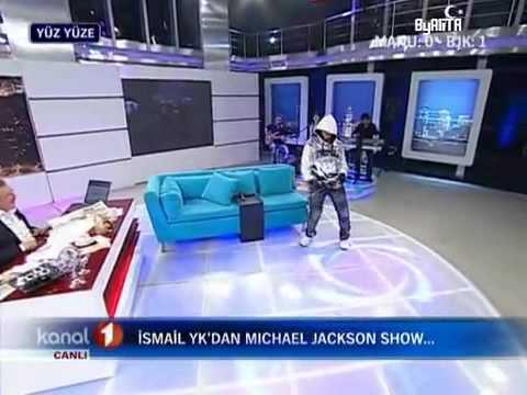 İsmail YK - Michael Jackson Dansı Yapıyor
