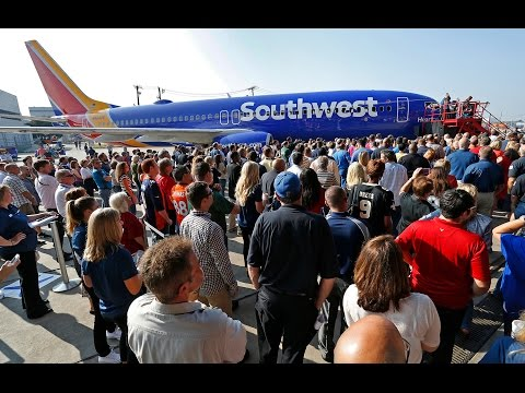 Southwest Airlines Shows New Aircraft Livery,