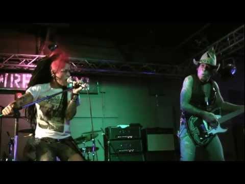 LA Guns (Tracii Guns&Dilana) Never Enough - Wreckers - 10-22-11