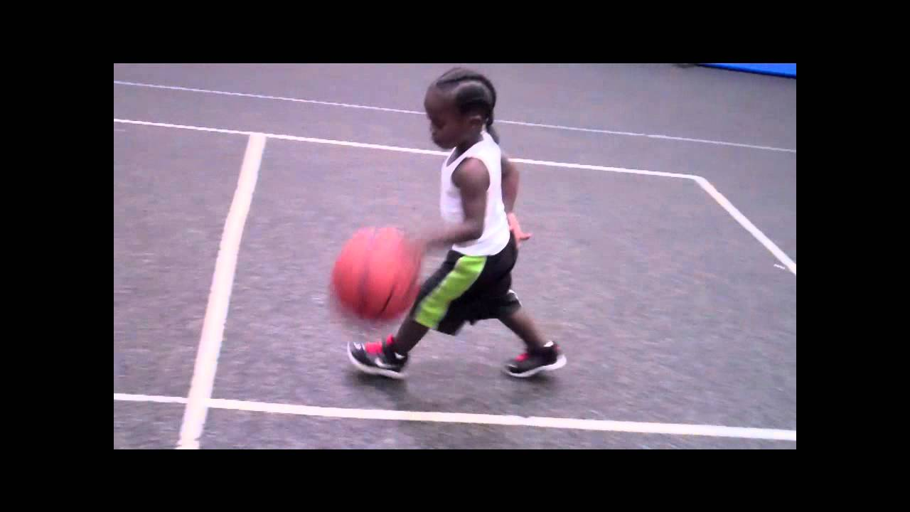 ONE OF THE BEST 3 YEAR OLD BASKETBALL PHENOM - YouTube