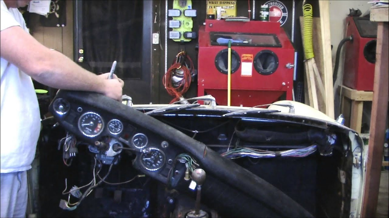 1969 austin healey sprite mkiv removing the dashboard youtube. Black Bedroom Furniture Sets. Home Design Ideas