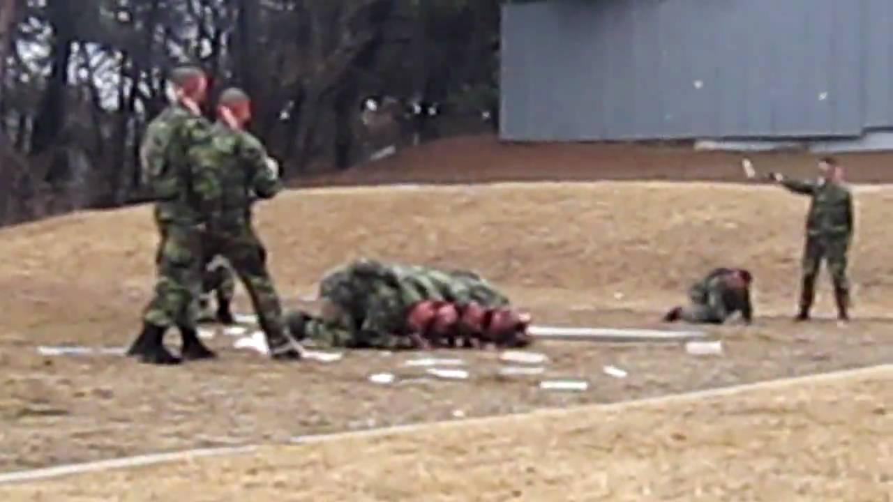 ROK Marines Training Demonstation to US Marines - YouTube