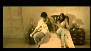 TUSHAR KAPOOR ROMANCE WITH A BAR DANCER_shootout at lokhandwala.mp4