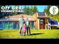 Homesteading Family Living Off-Grid in a Spectacular Earthship Mp3