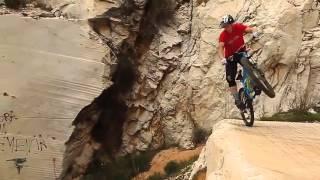 chạy xe đạp địa hình cực đỉnh (professional cycling)