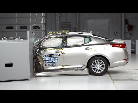 2012 Kia Optima small overlap test