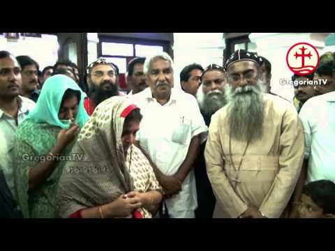 Oommen Chandy Visit Parumala Church - 30 October 2013
