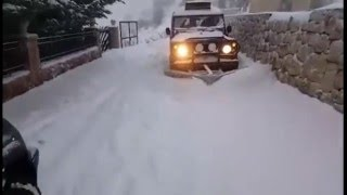 Land Rover - Snow Plow