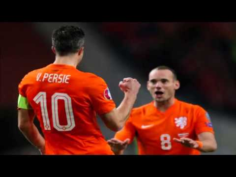 Netherlands 6-0 Latvia: Van Persie and Robben seal vital win for Hiddink