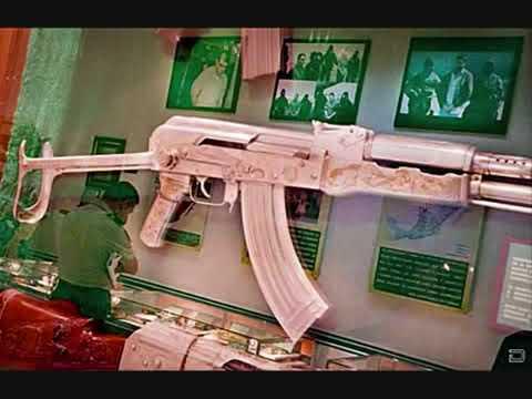 Museo del narco 2010 Culiacan Sinaloa  armas de oro, pistola