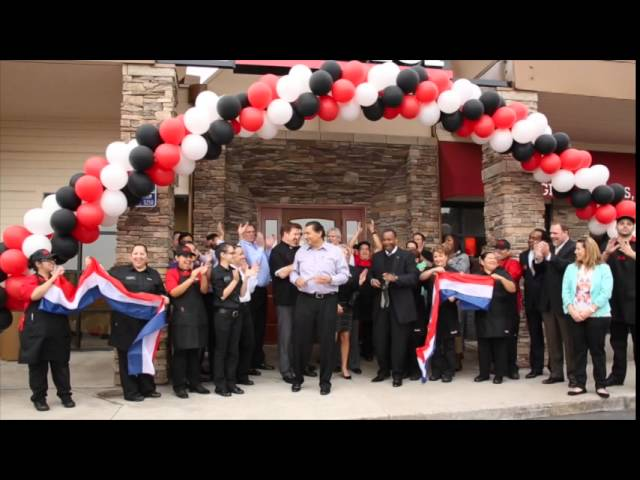 Sizzler SD Reopening Ribbon Cutting