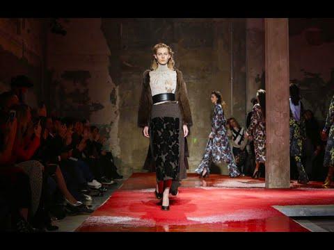 Marni F/W 2015. Daria Shapovalova at Milan Fashion Week