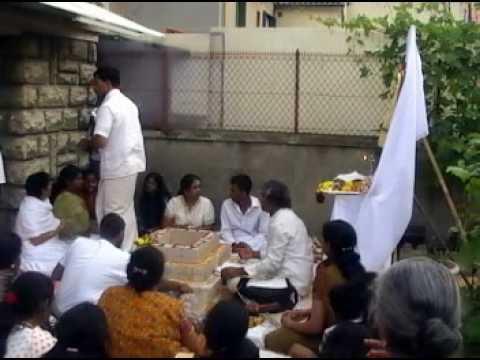 Amma Bhagavan Miracle In France video