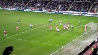Tiote left-footed volley - Newcastle United vs. Arsenal - 5/2/11