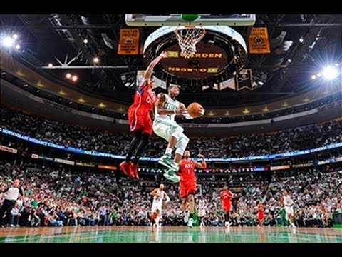Rajon Rondo Makes 3 of Friday`s Top 10 Plays