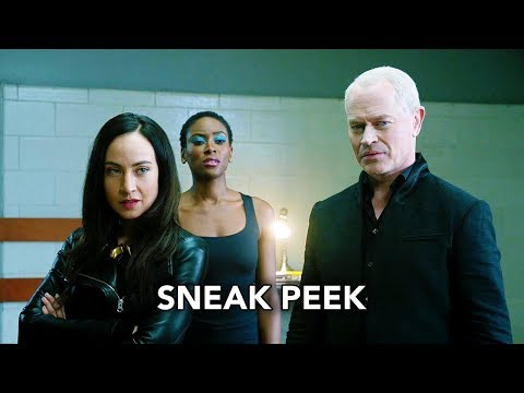"""DC's Legends of Tomorrow 3x13 Sneak Peek """"No Country for Old Dads"""" (HD) Season 3 Episode 13 Clip"""