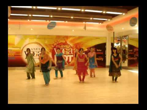 Bollywood Dance Thoda Thoda  California Wow BKK