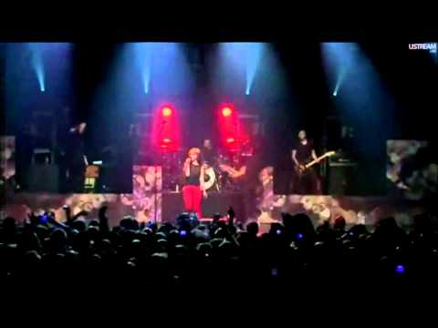 Paramore - Ignorance (LIVE) @ Fueled By Ramen 15th Anniversary 2011 HD