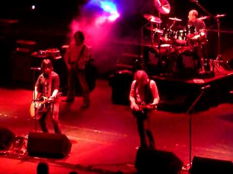 Thin Lizzy - Wild One at the Hammersmith Apollo.