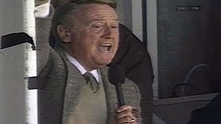 LAD@CHC: Scully sings 'Take Me Out to the Ballgame'