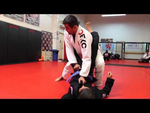 Jiu Jitsu Techniques - Guard Pass Variations Image 1
