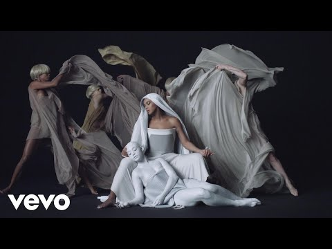 View Beyoncé 'Mine' full video