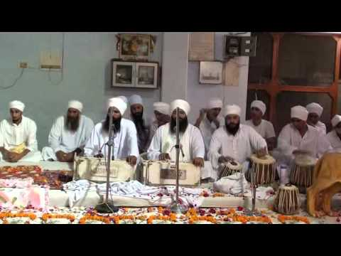 Shri Nanaksar Ashram Wazirabad Delhi { Aarti Kirtan } Bhai Gurcharan Singh Ji. video