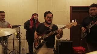 Download Lagu KUSAMLAKA - Selayang Pandang (COVER) Gratis STAFABAND