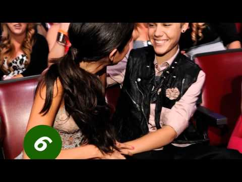 selena gomez. Red Carpet !! 7\8\2011 JUSTIN BIEBER & SELENA Teen Choice awards[ Backstage ]!! ♛ thumbnail