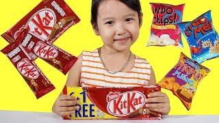 Dâu Tây Bóc Kẹo Socola Kitkat khổng lồ - Giant Socola Kitkat, fun with kid