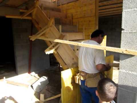 R alisation des coffrages pour la construction d 39 un escalier b ton youtube - Coffrage escalier beton droit ...