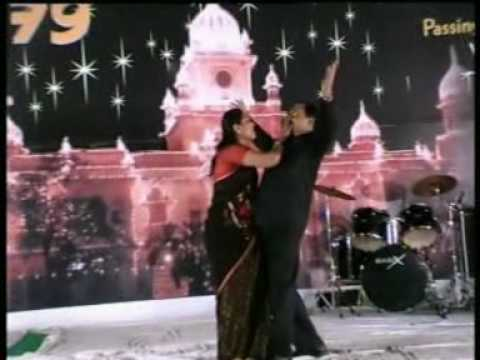 001.mpg   film - fana (meray haath mein tera haath ho)
