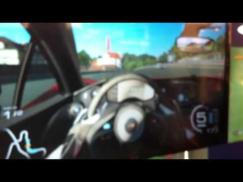 30.03.2014 Forza Motorsport 5 - XBox One - Game play Demo FNAC - Suine_Cr