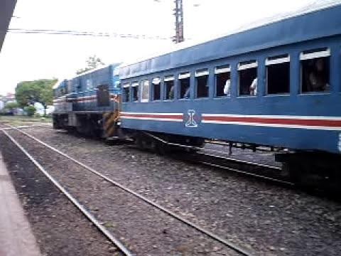 Cruce de trenes Estación del Pacífico