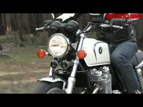 Honda CB1100 il test di Motociclismo