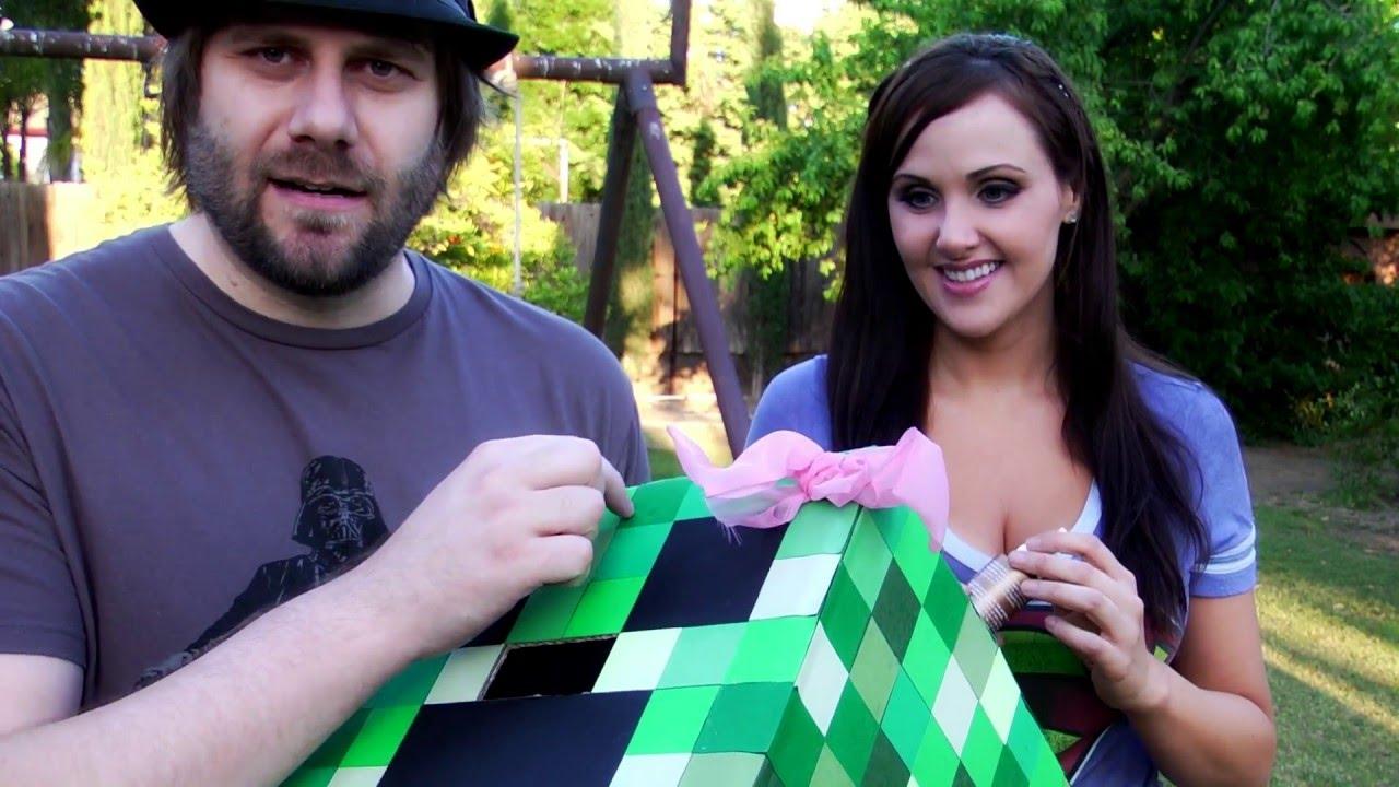 Como construir un disfraz de Minecraft  (la cabeza del Creeper)