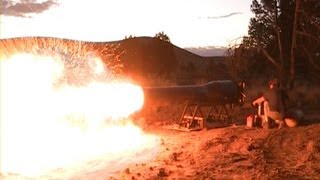 """ MASSIVE FIRE BALL!!! PULSEJET POWERED  JET ENGINE! Maddoxjets.com"