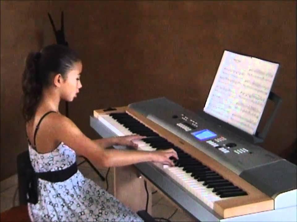 Chloe - Triplet Falls.wmv - YouTube