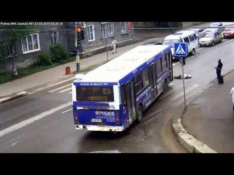 Автобус сбил женщину на «зебре», Сыктывкар 2014
