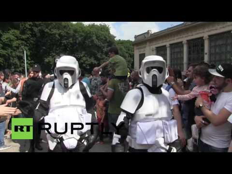Italy: Star Wars storm troopers invade Milan