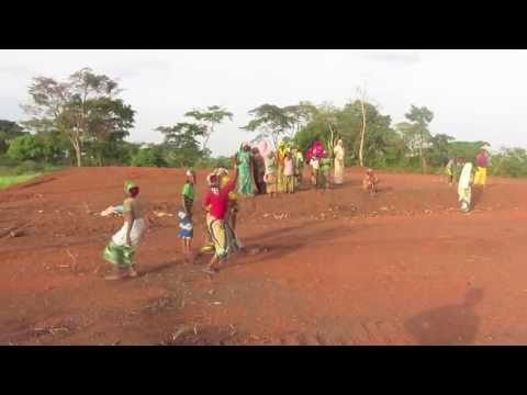 Playing sports in Boulembe (Cameroon)